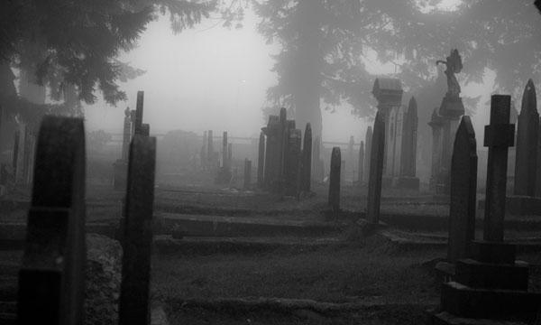 Ruta de cementerios por Madrid | Alquiler de furgonetas en Madrid