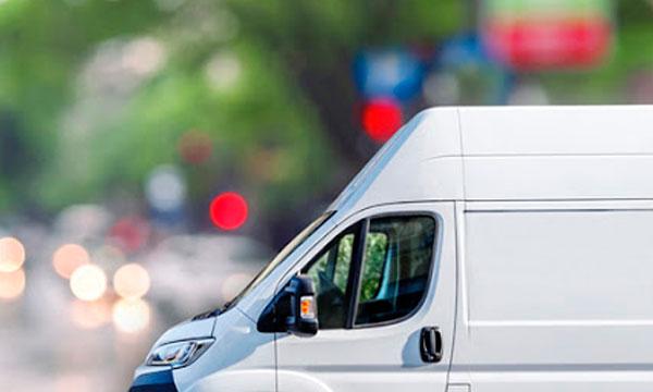 Sé el mejor amigo ayudando con la mudanza | Alquiler de furgonetas Barcelona