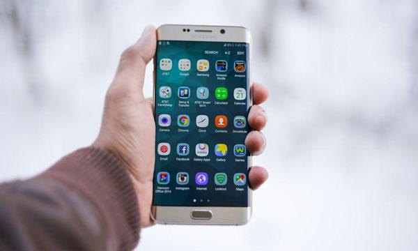 Apps que no pueden faltar en tu móvil | Alquiler de furgonetas en Alcala de Henares