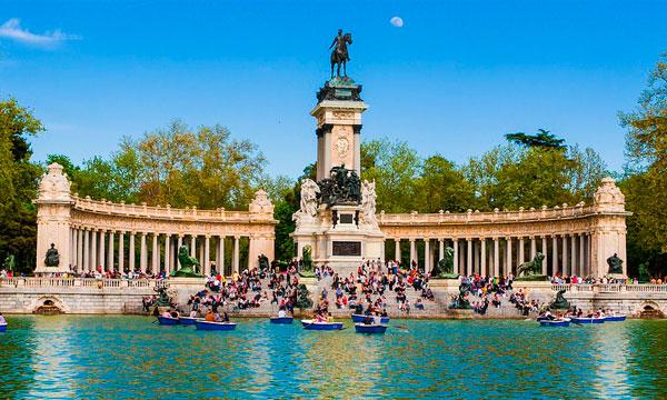 Escapada romántica a Madrid | Alquiler de furgonetas en Madrid